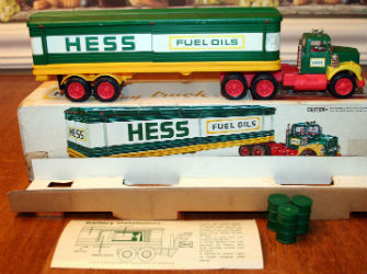 1975 hess box trailer truck value