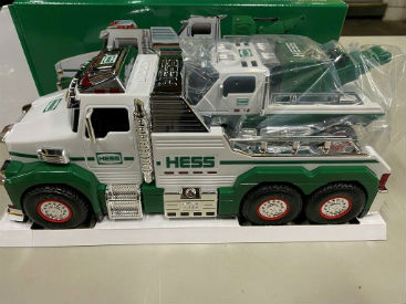 2019 Hess Tow Truck Rescue