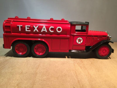 ERTL #7 Texaco 1930 Diamond T Tanker Made in 1990
